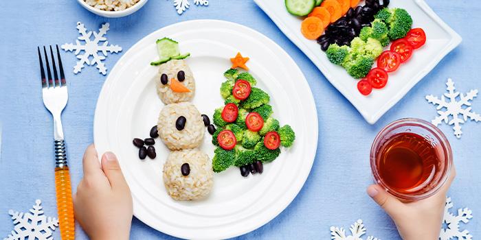 Prato saudável de menu infantil em restaurantes